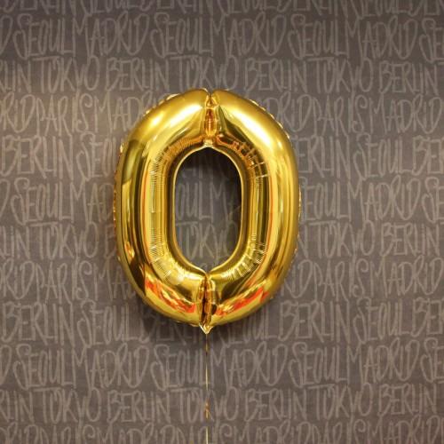 Фольгированная цифра 0 золото