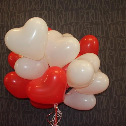 Сердца красно-белые 15шт