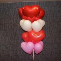 Фонтан из гелиевых сердечек