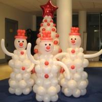 Композиция елка и снеговики