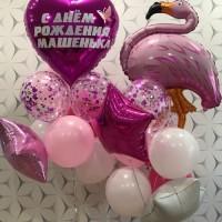 Букет гелиевых шаров с розовым оттенком и фламинго